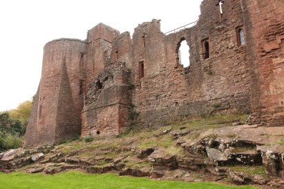 52-goodrich-castle-herefordshire-england