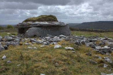 07-parknabinnia-wedge-tomb-clare-ireland