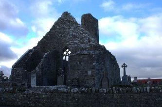 01-aughagower-round-tower-church-mayo-ireland