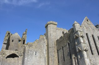 04-rock-of-cashel-tipperary-ireland