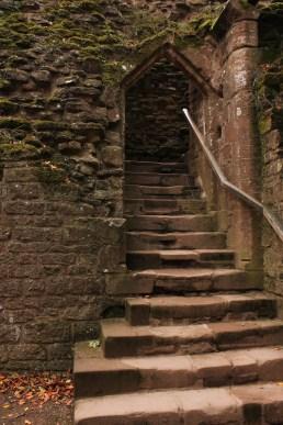 39-goodrich-castle-herefordshire-england