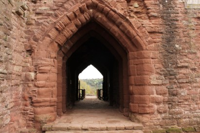55-goodrich-castle-herefordshire-england