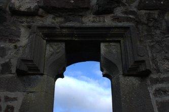 06-aughagower-round-tower-church-mayo-ireland