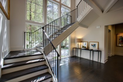 05 - Modern U Straight stair with iron rails