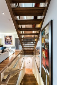 13 - Modern open rise stair with glass Freestanding