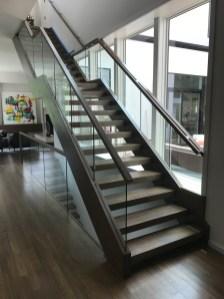 28 - Modern Freestanding Open rise Straight stair 1