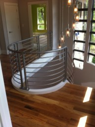 Modern curve rail with round forged silver powdercoated rails