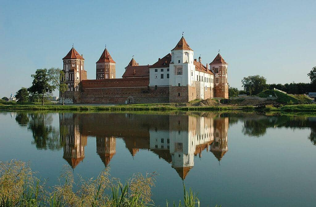 Mir castle complex and the lake