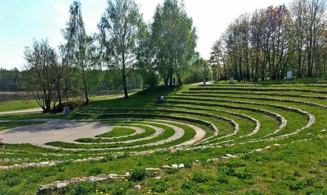 Green amphitheater in Loshitsa Park in Minsk