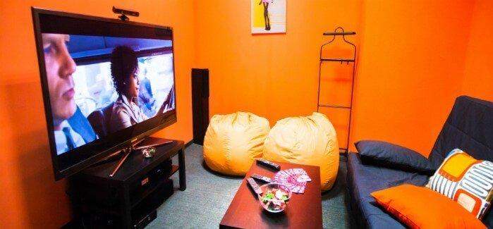 Кинотеатр 5 комнат, оранжевые кресла, Минск