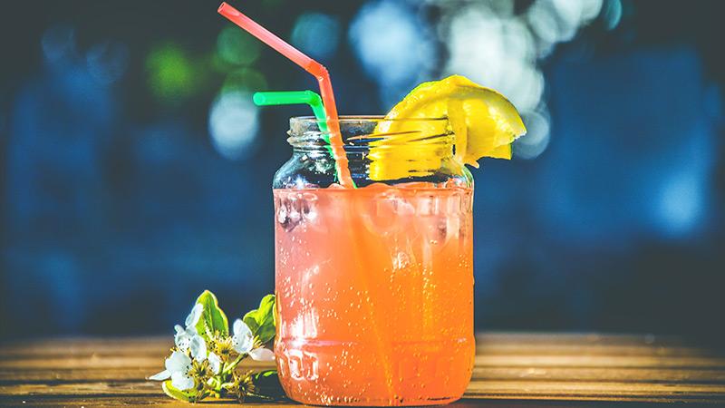 mason jar cocktail