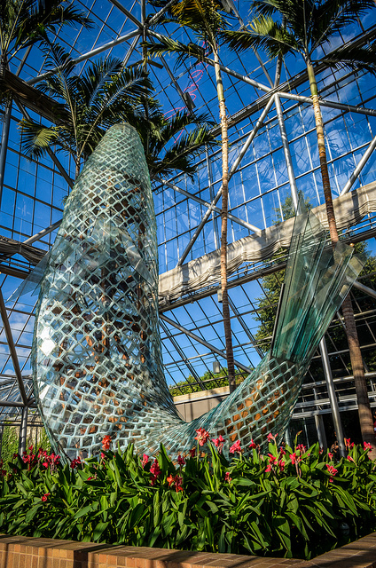 "Walker Art Center Gehry's Fish. Image by <a href=""https://flic.kr/p/cM4W8u"" target=""_blank""> m01229/flickr</a>"