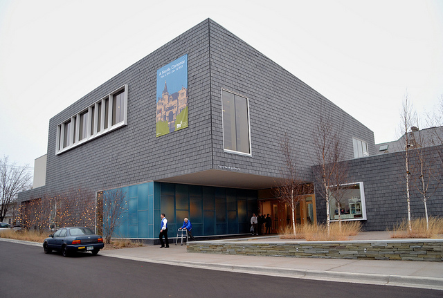 "Swedish American Institute. Image by <a href=""https://flic.kr/p/dxZR3H"" target=""_blank""> jpellgen/flickr</a>"
