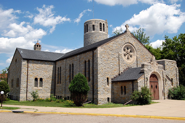 "Memorial Chapel at Fort Snelling, St. Paul. Image by <a href=https://flic.kr/p/6FXVRu target=""_blank""> jpellgen/flickr</a>"