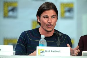A photo of Josh Hartnett speaking on a panel