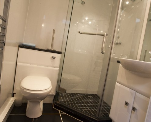 Smaller shower/toilet (of 2) in 2 bed self catering