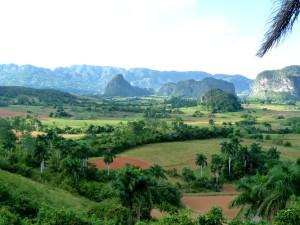 cuba-reis-vinales-vallei-uitzicht