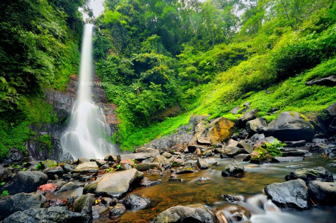Gitgit_Waterfall