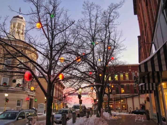 christmas-street-shot