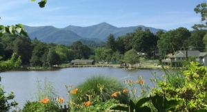 Lake Tomahawk in Black Mountain for Mother's Day
