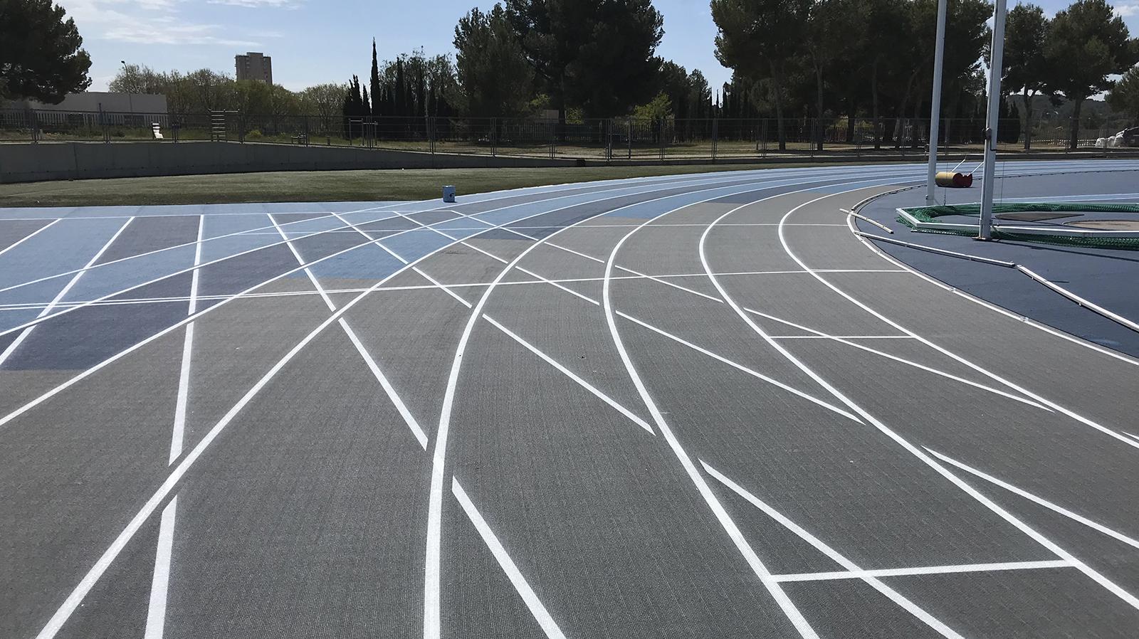 Pista de 6 carriles y lanzamientos en pista de atletismo de magaluf, Entrena atletismo en Mallorca , Athletics track in Mallorca