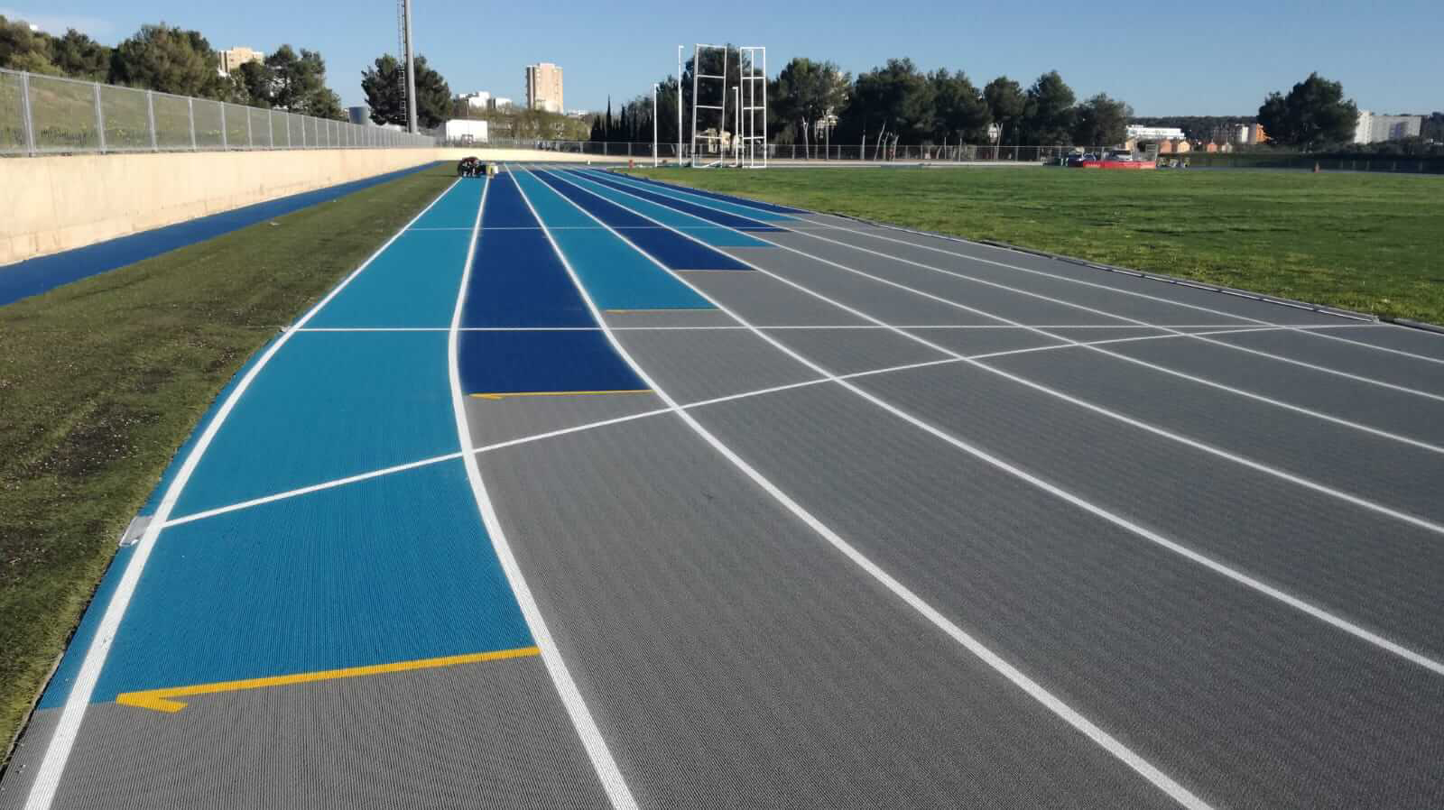 relay zone athletics track magaluf, zona de relevos pista de atletismo magaluf, zona de relleus pista d'atletisme Magaluf , Entrena atletismo en Mallorca , Athletics track in Mallorca