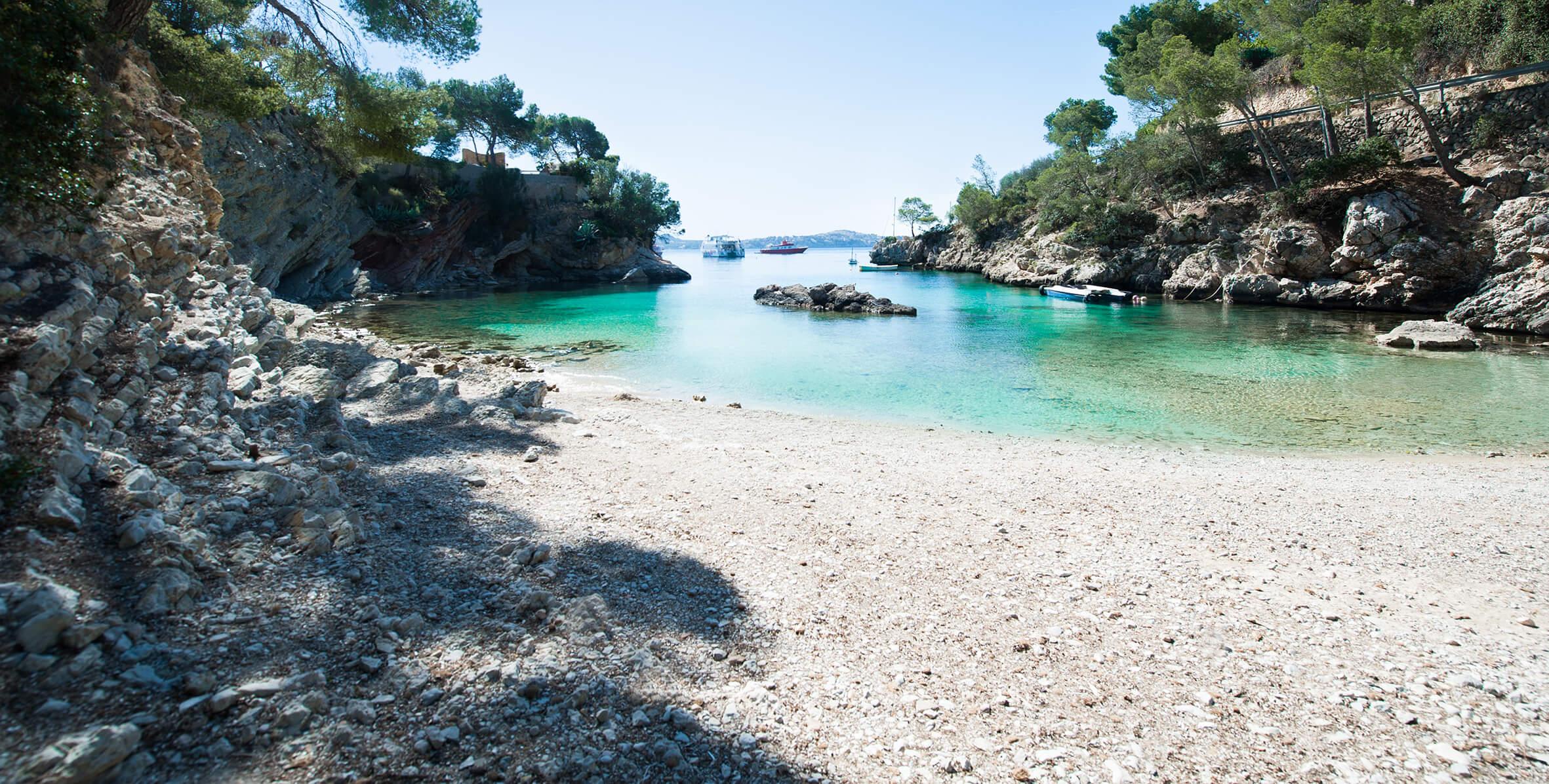 Caló de ses llises, Cala Fornells, Peguera, Mallorca, Spain