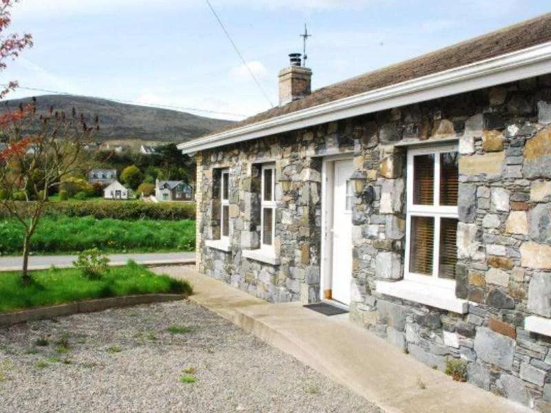 Glenshee Cottage1
