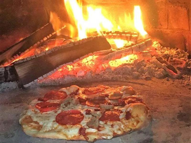Taproom-Pizza-2