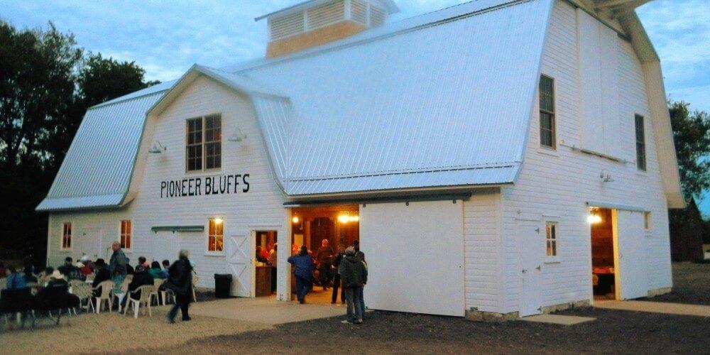 Historic barn at pioneer bluffs