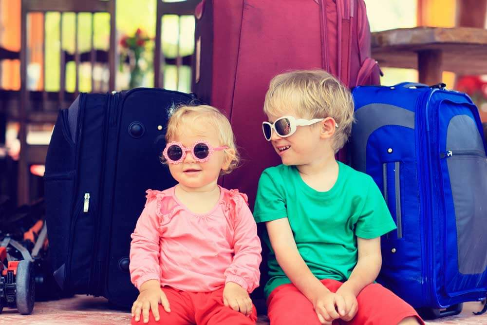 ways-to-save-money-traveling-with-children