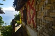 Accès au balcon du bungalow de Kunde, avec vue sur la mer.