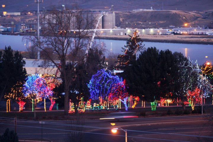 Meridian Idaho Christmas Lights Decoratingspecial Com