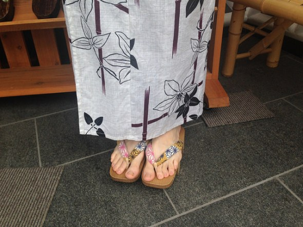 Trying out Japanese footwear in my Yukata