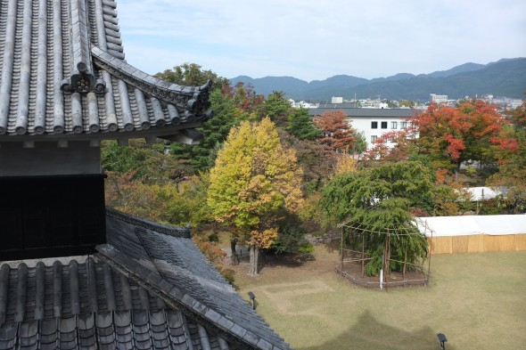 Fall Colors Starting to Show Up at Matsumoto Castle