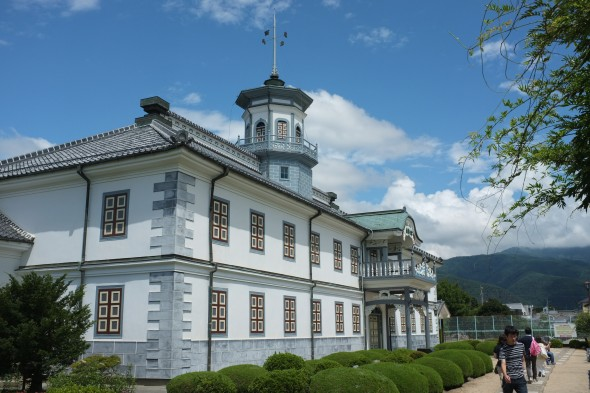 Former Kaichi School: Go Back to School a Century and Half in the Past