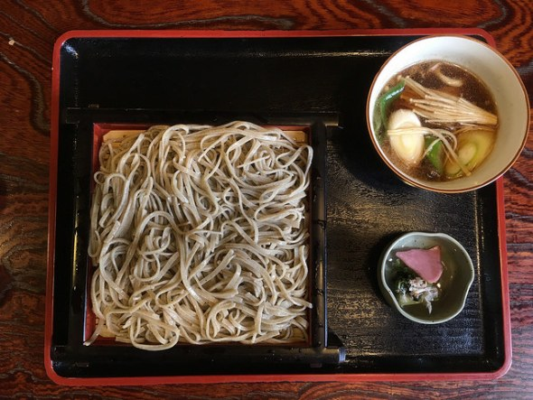 Chilled soba with duck dipping soup
