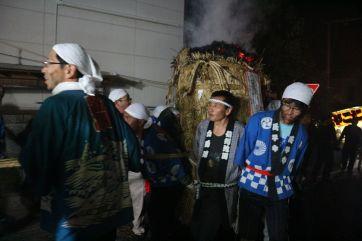 松明祭り2018坂4