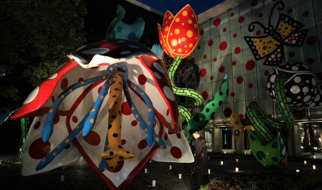 クリスマスキャンドルナイトの灯り~松本市美術館