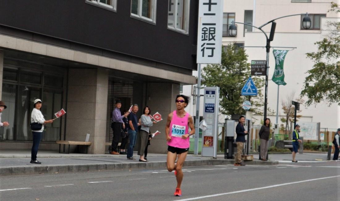 第3回松本マラソン 雨から晴れ 青空の下松本の街を走り抜けた人々!
