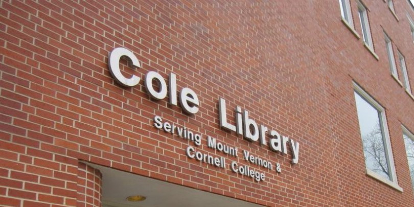 Cole Library Entrance