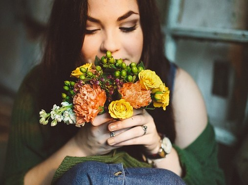Flowers to surprise her