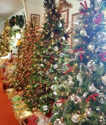 Christmas Village Pa.Stock Up For The Holidays All Year Round At Fay S Christmas