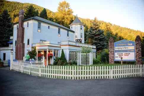 Alexanders Country Inn