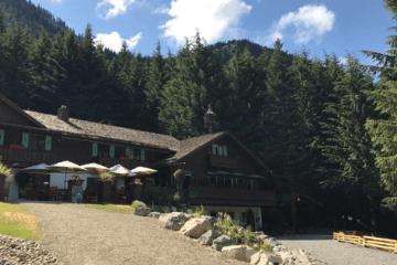 Alpine Inn at Crystal Mountain Resort