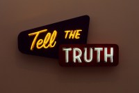 tell_the_truth_dark