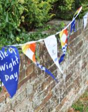 iow-day-bunting