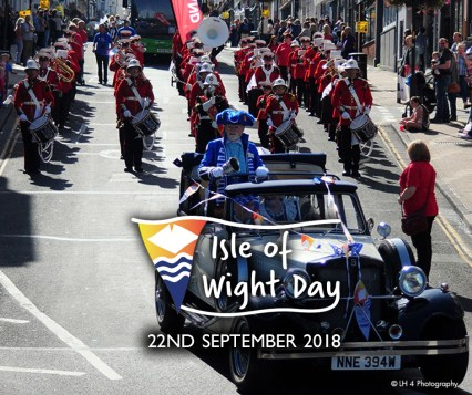 Isle-of-Wight-day-big-parade