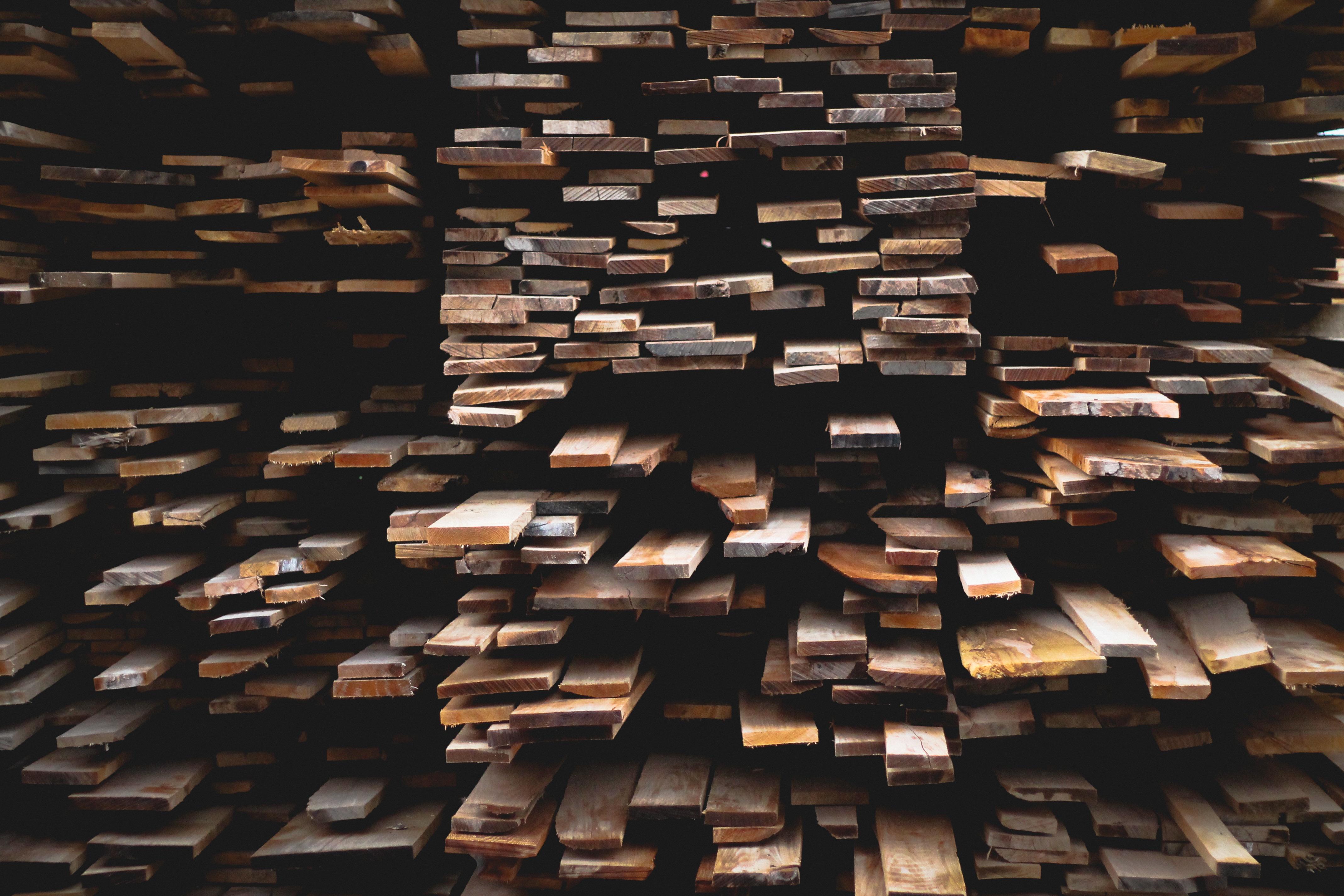 Meuble Avec Planche De Coffrage panneau ou planche de bois pas cher, où ça se trouve ?