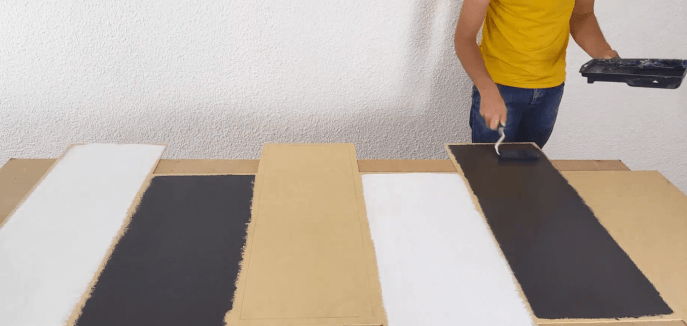mise en peinture du fond du meuble
